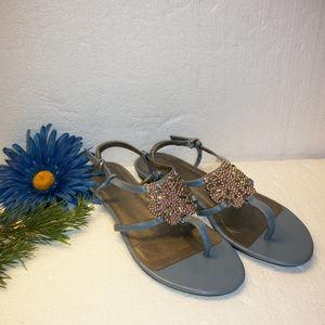 TAHARI 7.5 Slate Blue & Silver Thong Sandals NWOT